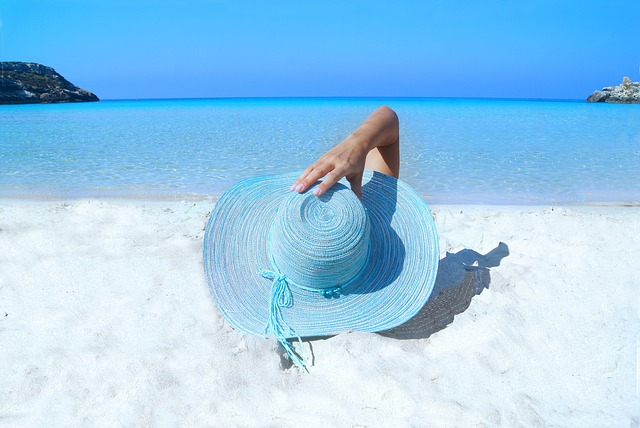 modrý sluneční klobouk